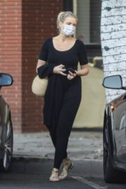 Cameron Diaz Leaves Her Physical Therapist in Beverly Hills 2020/09/24 2
