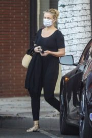 Cameron Diaz Leaves Her Physical Therapist in Beverly Hills 2020/09/24 8