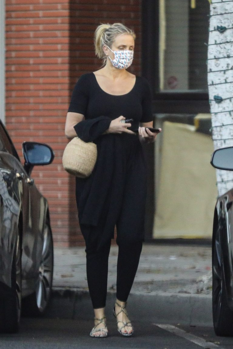 Cameron Diaz Leaves Her Physical Therapist in Beverly Hills 2020/09/24 9