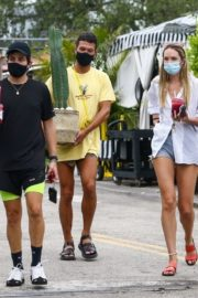 Candice Swanepoel Out with Friends in Miami Beach 2020/10/25 2