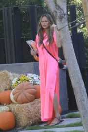 Chrissy Teigen in Pink Outfit at a Pumpkin Farm in Los Angeles 2020/10/25 2