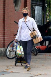 Claire Danes in Tights Out and About in New York 2020/10/22 3
