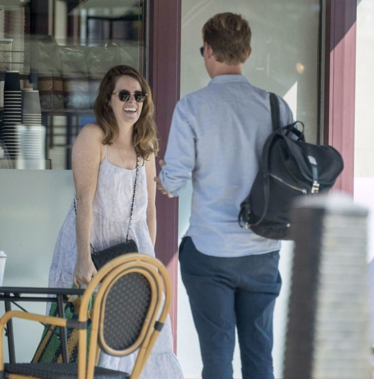 Claire Foy Out for Coffee in Hampstead 2020/09/14 4