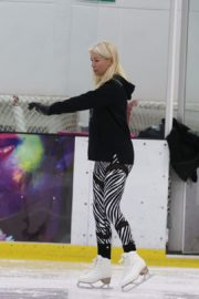 Denise van Outen at Dancing on Ice Rehearsal in London 2020/10/21 3