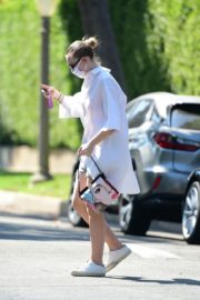 Drive Her New Porsche Out in Los Angeles 2020/09/25 1