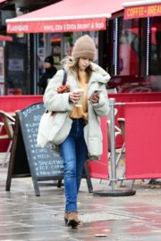 Emilia Clarke Out and About in London 2020/10/25 2