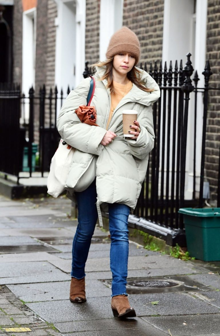 Emilia Clarke Out and About in London 2020/10/25 7