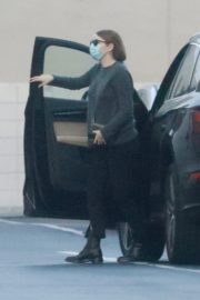 Emma Stone Arrives at Appointment in Los Angeles 2020/10/22 5