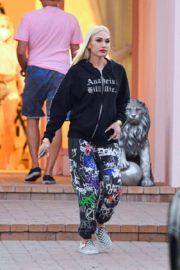 Gwen Stefani Leaves a Studio in Woodland Hills 2020/10/01 4