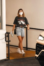 Hailey Bieber Out and About in Los Angeles 2020/09/24 4