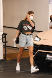 Hailey Bieber Out and About in Los Angeles 2020/09/24 9