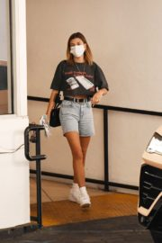 Hailey Bieber Out and About in Los Angeles 2020/09/24 10
