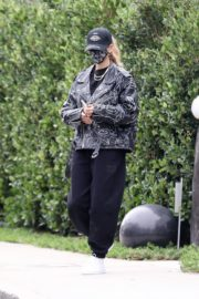 Hailey Rhode Bieber Leaves a Friend's House in Beverly Hills 2020/10/24 1