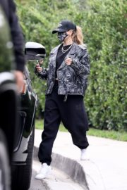 Hailey Rhode Bieber Leaves a Friend's House in Beverly Hills 2020/10/24 3