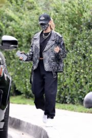 Hailey Rhode Bieber Leaves a Friend's House in Beverly Hills 2020/10/24 4