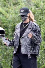 Hailey Rhode Bieber Leaves a Friend's House in Beverly Hills 2020/10/24 5