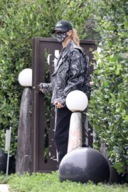 Hailey Rhode Bieber Leaves a Friend's House in Beverly Hills 2020/10/24 8