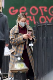 Hilary Duff and Her Husband Matthew Koma Out in New York 2020/10/25 3