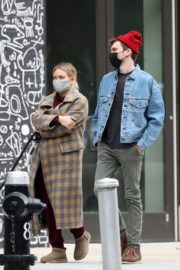 Hilary Duff and Her Husband Matthew Koma Out in New York 2020/10/25 10