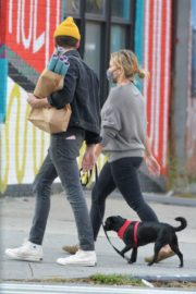 Hilary Duff and Matthew Koma Out with Their Dog in New York 2020/10/24 2