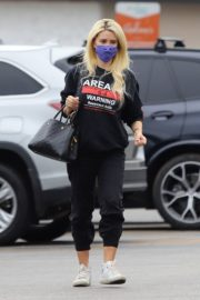 Holly Madison Out Shopping in Los Angeles 2020/10/22 5