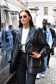 Irina Shayk Leaves Hugo Boss Fashion Show in Milan 2020/09/23 3
