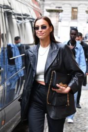 Irina Shayk Leaves Hugo Boss Fashion Show in Milan 2020/09/23 5