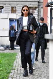 Irina Shayk Leaves Hugo Boss Fashion Show in Milan 2020/09/23 6