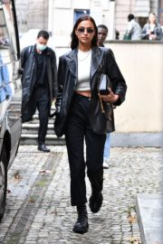 Irina Shayk Leaves Hugo Boss Fashion Show in Milan 2020/09/23 8