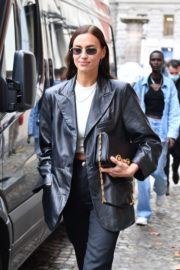 Irina Shayk Leaves Hugo Boss Fashion Show in Milan 2020/09/23 9