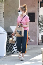 Isla Fisher in Pink Top and Track PantOut in Los Angeles 2020/09/21 3