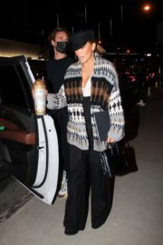 Jennifer Lopez Leaves a Business Meeting in Hollywood 2020/10/23 4
