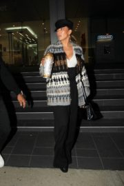 Jennifer Lopez Leaves a Business Meeting in Hollywood 2020/10/23 7