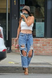 Jessica Ciencin Henriquez in Ripped Denim Out in Los Angeles 2020/10/23 9