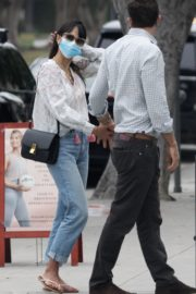 Jordana Brewster and Andrew Form Out in Santa Monica 2020/09/21 4