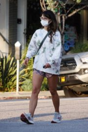 Jordana Brewster Out for Coffee in Brentwood 2020/10/24 7