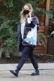 Kaley Cuoco After Leaves a Spa in Toronto 2020/10/26 2