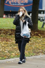 Kaley Cuoco After Leaves a Spa in Toronto 2020/10/26 4