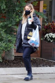 Kaley Cuoco After Leaves a Spa in Toronto 2020/10/26 6
