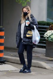 Kaley Cuoco After Leaves a Spa in Toronto 2020/10/26 7