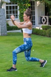Katie Waissel Workout at a Park in London 2020/10/24 2