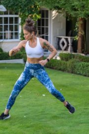 Katie Waissel Workout at a Park in London 2020/10/24 3