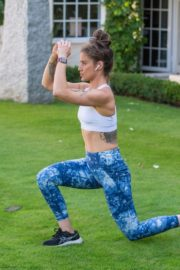 Katie Waissel Workout at a Park in London 2020/10/24 7
