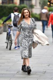 Kelly Brook Arrives at Heart Radio in London 2020/10/23 3