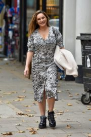 Kelly Brook Arrives at Heart Radio in London 2020/10/23 7