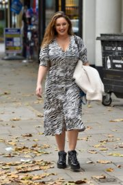 Kelly Brook Arrives at Heart Radio in London 2020/10/23 8