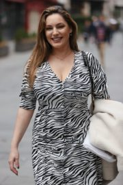 Kelly Brook Arrives at Heart Radio in London 2020/10/23 9