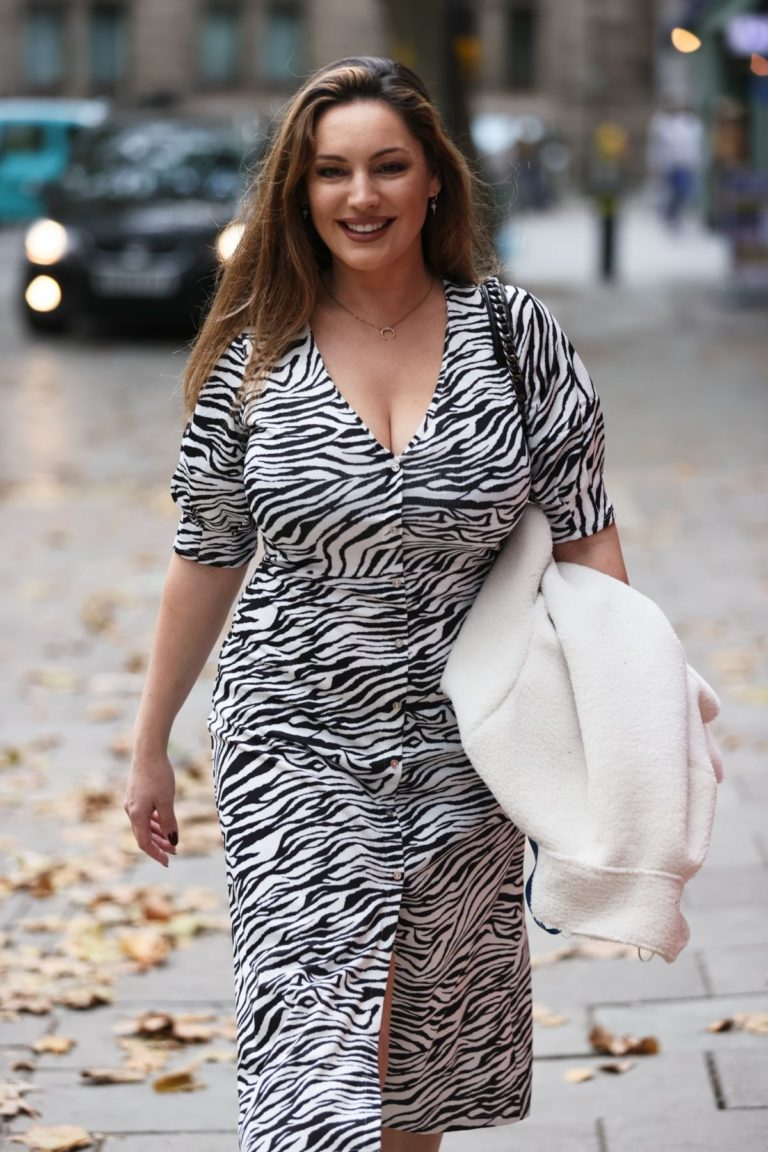 Kelly Brook Arrives at Heart Radio in London 2020/10/23 13
