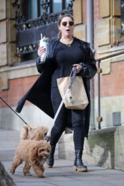 Kelly Brook Out with Her Dog in Hampstead 2020/10/22 10