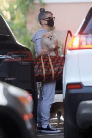 Kelly Osbourne Out with Her Dogs in Beverly Hills 2020/10/26 2
